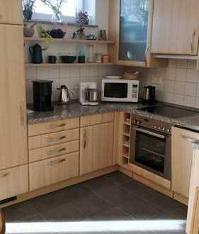 Freundliche 3-Zimmer-EG-Wohnung mit Balkon und Einbauküche in Dietenheim