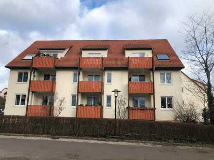 Schöne geräumige 2,5-Zimmer-DG-Wohnung mit 2 Balkonen und EBK