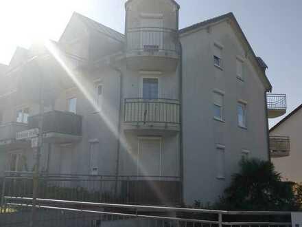 +++ Schöne 2 Zi.-ETW + ca. 45 qm Wfl. + 2 Balkone + TGST + BJ 1996 +++
