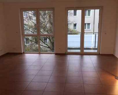 Hochwertig, gepflegte 3,5-Zimmer-Wohnung mit Balkon und Einbauküche in Frankfurt am Main