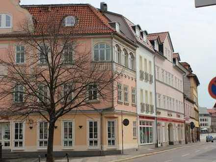 Im Stadtzentrum gelegene 2-Raum-Dachgeschosswohnung mit Fahrstuhl