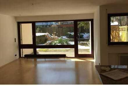 2,5 Zimmer-Wohnung mit Terrasse und Blick ins Grüne