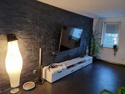 Exklusive, modernisierte 3,5-Zimmer-Terrassenwohnung mit Balkon und Einbauküche in Aichwald