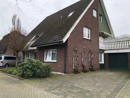 Gepflegtes 6-Zimmer-Ein/Zweifamilienhaus mit 2 Einbauküchen in Nordhorn, Grafschaft Bentheim (Kreis)