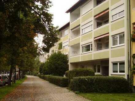 Vollständig renovierte 3-Zimmer-Wohnung mit Balkon und Einbauküche in Laim, München