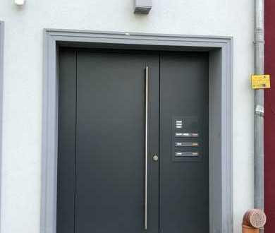 Modernisierte Maisonette-Wohnung mit zweieinhalb Zimmern sowie Balkon und EBK in Bremer Viertel