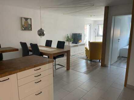 Stilvolle, möblierte 1,5 Zimmer Wohnung mit Terrasse und Gartenteil