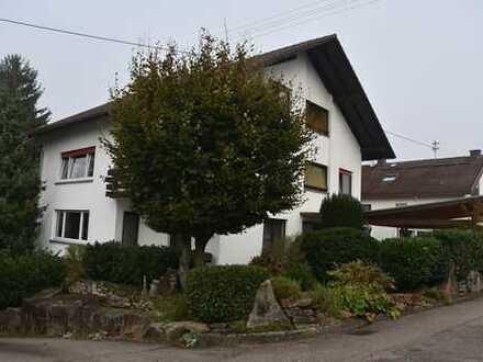 Ruhig gelegene 4-Zi-ETW mit 113m² Wfl. im 1.OG mit 2 Balkone u. Garage