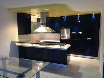 900 €, 95 m², 2 Zimmer