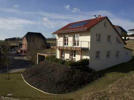 Extrem sparsames 1-2 Familienhaus mit vielen Möglichkeiten (z.B. sep. Wohnung/Praxisräume)