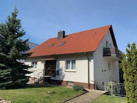 Sehr gepflegtes Wohnhaus mit drei Wohnungen/Onlinebesichtigung möglich!