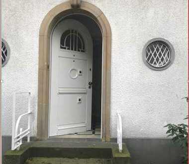 Repräsentative Büroräume in einer Altbauvilla in Köln Marienburg