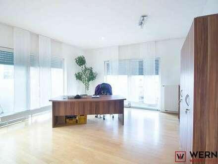 *Moderne Rooftop-Wohnung für Gewerbetreibende*