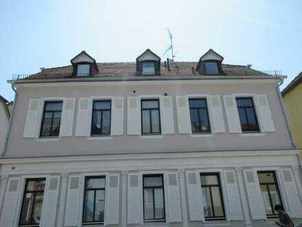 Wohnen auf Zeit: Sehr süße möblierte 2 Zimmer-Wohnung! Schlosspark- und Rheinnähe