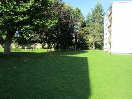 Große, schön geschnittene 3-Zimmer-Wohnung mit Balkon, mit WBS