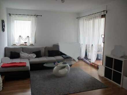 Aufwändig modernisierte 3,5 Zi.-Wohnung mit Westloggia