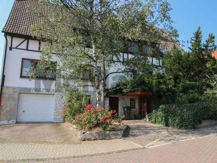 Zweifamilienhaus mit Ärztepraxis und mietfreier Eigennutzungsmöglichkeit in Habichtswald