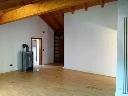 Helle, freundliche 4-Zi Wohnung mit Balkon in Pöcking