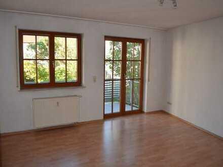 Gepflegte 2-Zimmer-Wohnung mit Balkon und Einbauküche