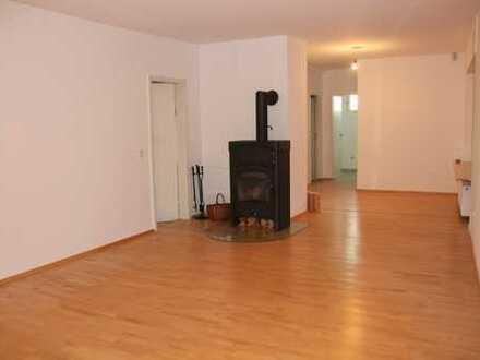 Helle, große 3,5-Zimmer-Wohnung in Baden-Baden Weststadt