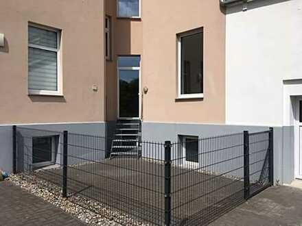 Sanierte 3-Raum-Wohnung mit Hofterrasse