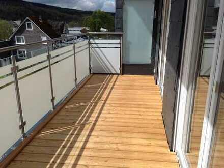 Neuwertige 3,5-Zimmer-DG-Wohnung mit Balkon in Netphen-Deuz
