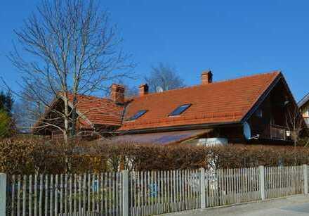 Doppelhaushälfte mit riesigem Bachgrundstück