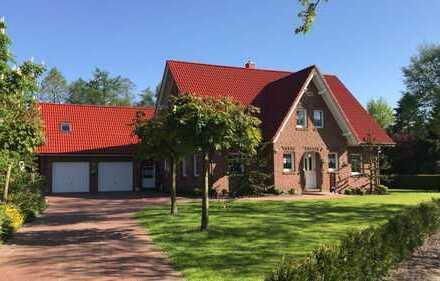 Sehr gepflegtes, modernes Einfamilienhaus mit großem Garten