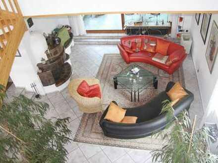 *Solaranlage, 3 Garagen und 205 m² Wohnfläche*
