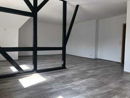 Moderne 3 Zimmer- Dachgeschosswohnung in Solingen