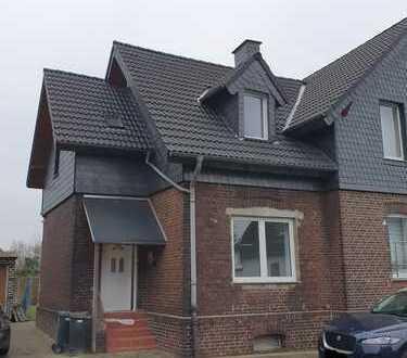 Für die kleine Familie**renoviert**Reiheneckhaus mit Garage und Garten in CAS-Habinghorst