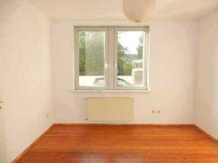 Sanierte 3-Zimmer-Erdgeschosswohnung mit EBK in Mannheim