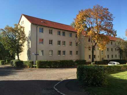 Schöne 4 Zimmer Wohnung in ruhiger grüner Lage - 2 Bäder