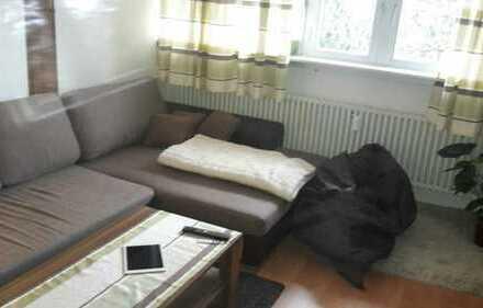 Gut geschnittene modernisierte 1,5 Zimmer-Wohnung mit idealer Anbindung