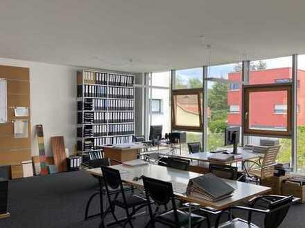 Schöne helle Büro-/Gewerberäume