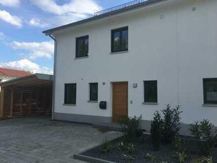 gehobene Doppelhaushälfte in Thalhausen bei Kranzberg