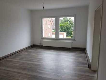 Komplett renovierte 2 Zimmer Wohnung in zentraler Lage