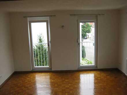 Modernisierte Maisonette-Wohnung mit Einbauküche in Dettingen an der Erms