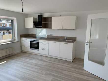 Modernisierte 3-Zimmer-Wohnung inkl. Einbauküche und mit Garage (reichlich Platz als Kellerersatz)