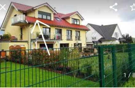 Traumhafte 2-Zimmer-DG-Wohnung mit Balkon und EBK in Hürth