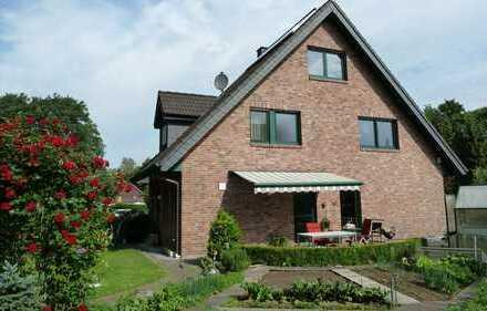 Doppelhaushälfte in Lintorf mit Solar und schönem Garten. Waldlage!