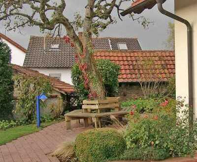 POCHERT IMMOBILIEN - Sehr schönes Haus mit herrlichem Garten in Imsbach / Nähe Kaiserslautern