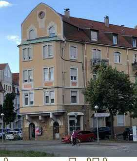 Sanierte Altbauwohnung in zentraler Weststadtlage