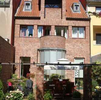 Eyecatcher in Lindenthal - 1 Familien Stadthaus in Bestlage-