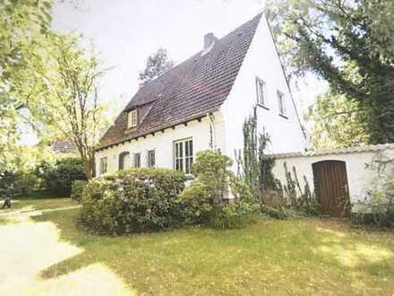 Zauberhaftes Haus mit fünf Zimmern in Hamburg, Heimfeld