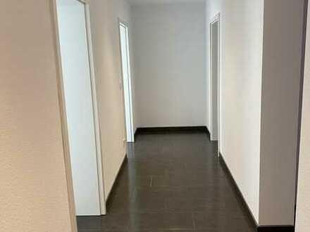 4-Zimmer-Wohnung in Stuttgart (WG geeignet)