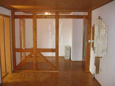 Schöne, helle 2,5 Zimmer Wohnung im 1. OG in Straubenhardt-Langenalb