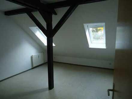 Schicke 2-Zimmer-Dachgeschosswohnung in ruhiger Lage