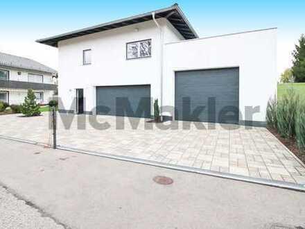 Moderner Wohntraum: EFH mit Terrasse, 2 Garagen und Galerie nahe Chiemsee