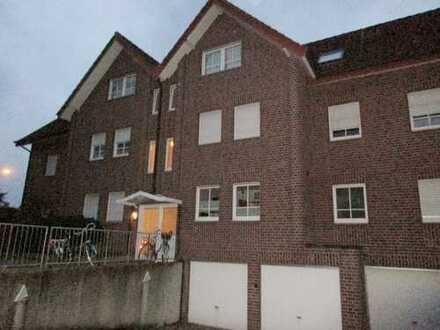 ## gemütliche Dachgeschosswohnung mit Einbauküche und Balkon##